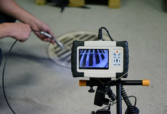 inspection par caméra, par un plombier