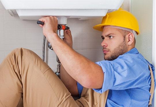 Technicien plombier en détartrage
